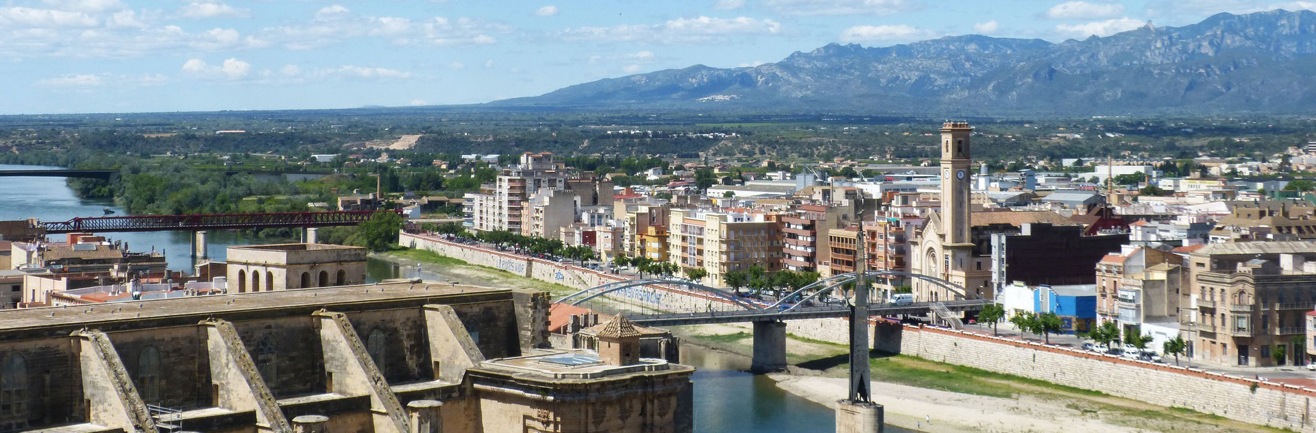 Real Estate Rieres for sale and rental of apartments, houses, townhouses, Tortosa. Rental of houses and flats in Tortosa. Buy flats in Tortosa. Homes for sale in Tortosa.